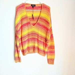 EXPRESS RELAXED V-NECK SWEATER.SIZE SMALL